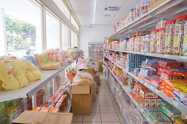 DSC08975 - 熱血採訪│唐采五權西路店新開幕,超多古早味零食批發在這啦