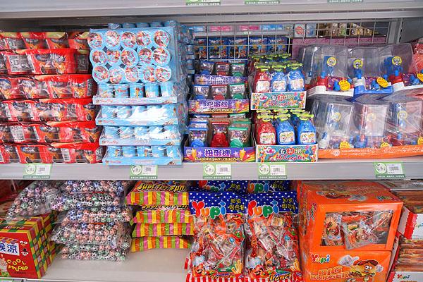 DSC08982 - 熱血採訪│唐采五權西路店新開幕,超多古早味零食批發在這啦